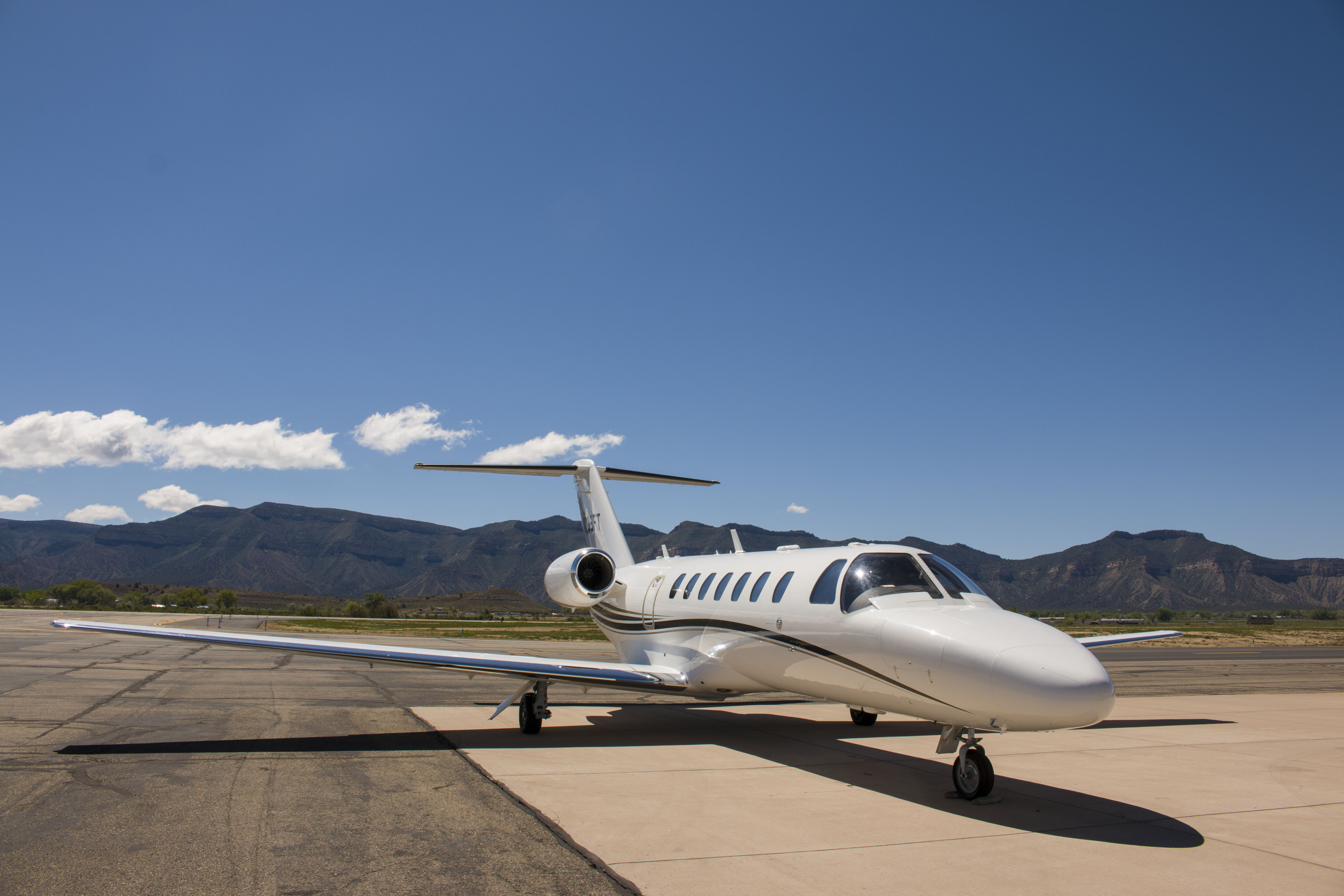 Private Jet Charter Mammoth, CA